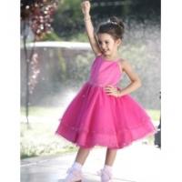 Выбираем стильное платье для девочки